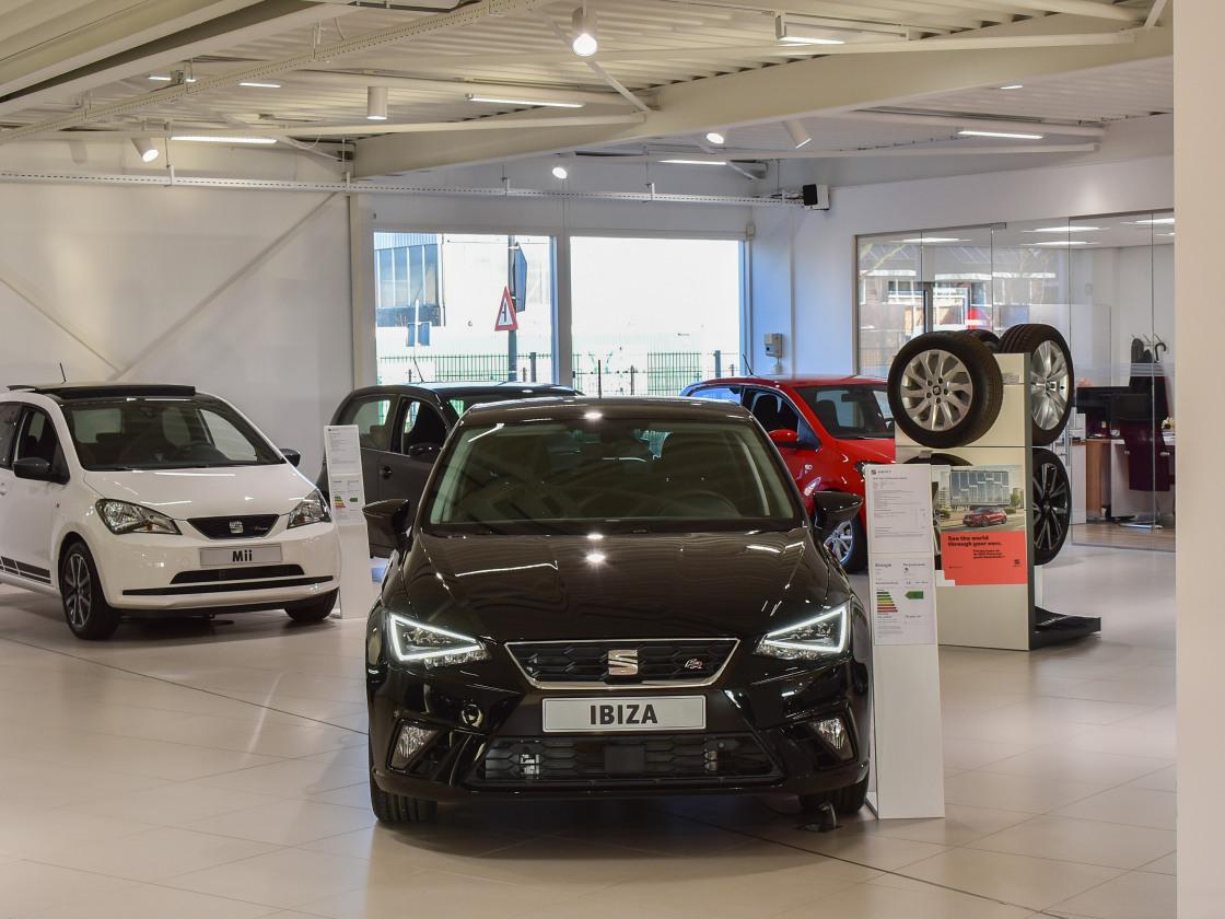 Maas Autogroep Nieuwkoop - SEAT showroom