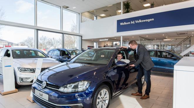 Maas Autogroep Woerden - showroom