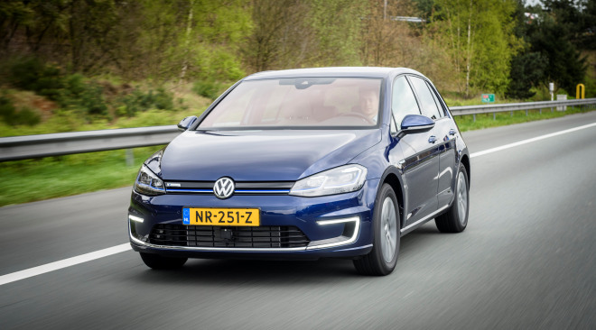 https://aqbvxmveen.cloudimg.io/crop/660x366/n/https://s3.eu-central-1.amazonaws.com/maasautogroep-nl/01/volkswagene-golf.jpg?v=1-0