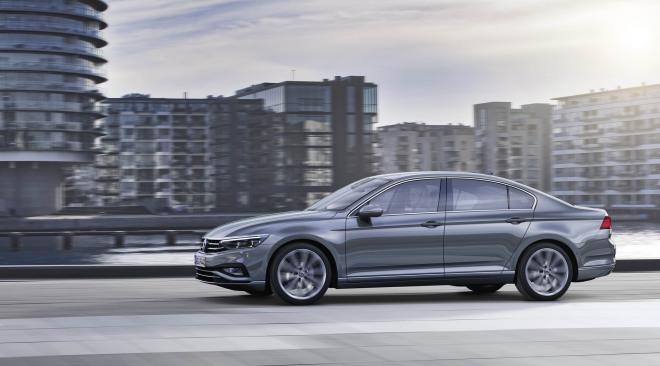 201908-Volkswagen-Passat-04.jpg