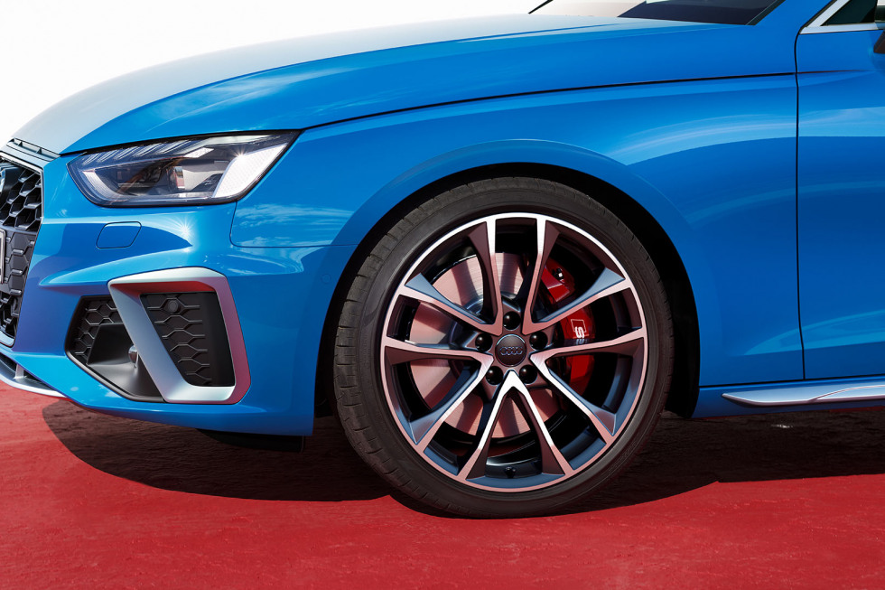 201909-Audi-S4Limousine-02.jpg