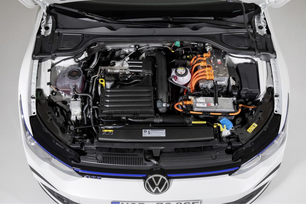 2002-VW-Nieuwegolf (24).jpg