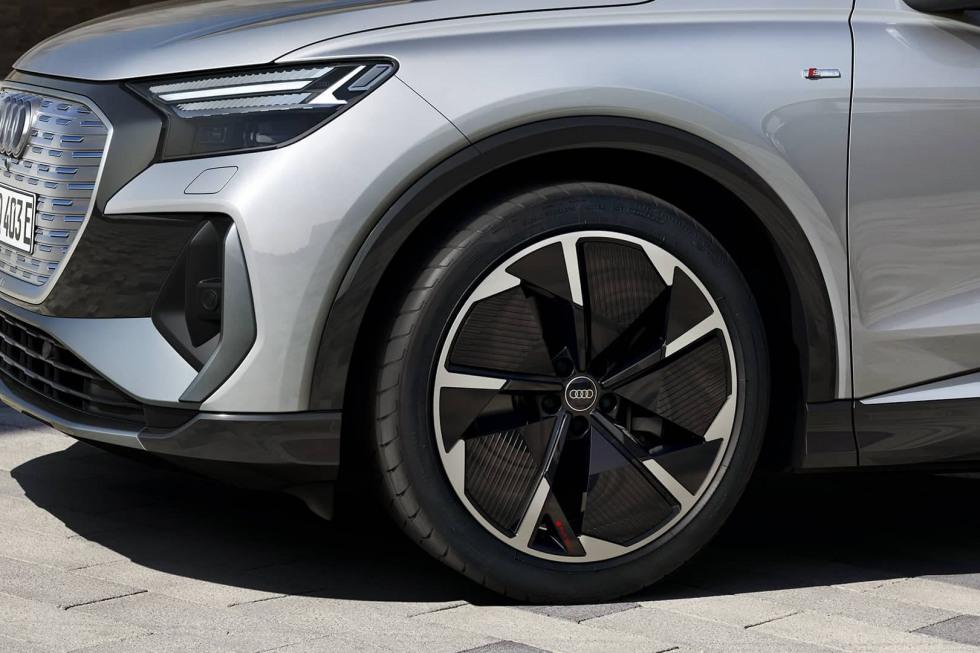 2104-audi-q4-sportback-e-tron-30.jpg