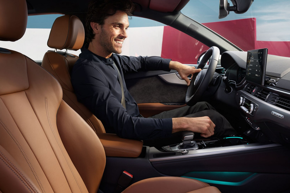 201908-audi-a4-limousine-09.jpg