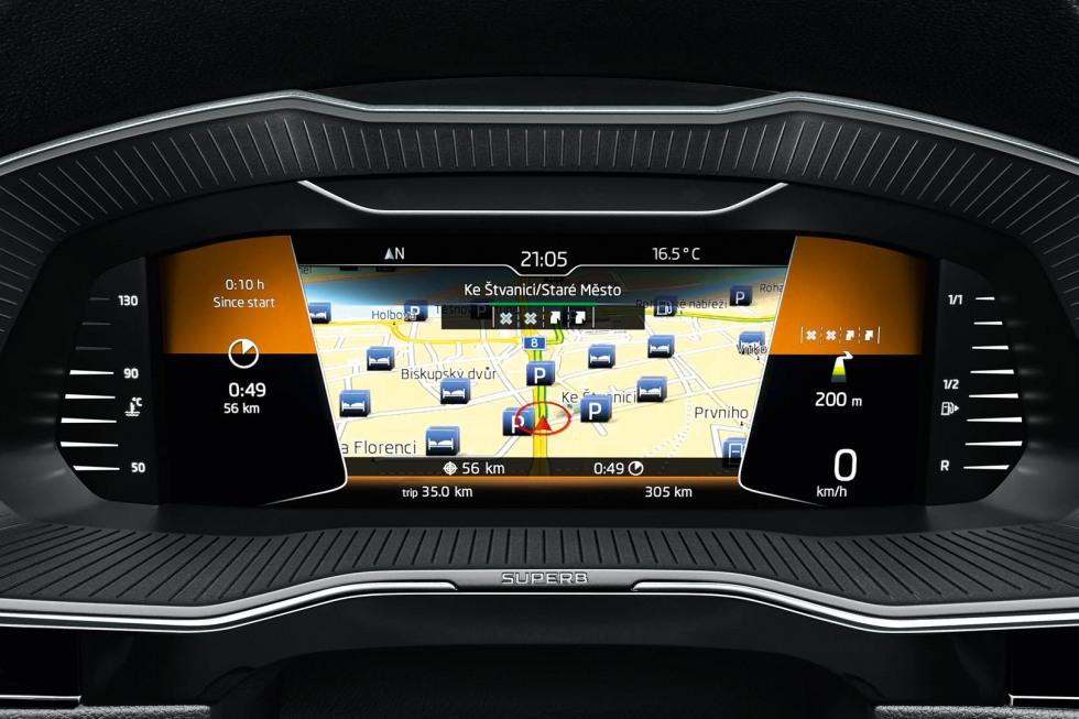 201909-skoda-superb-hatchback-06.jpg